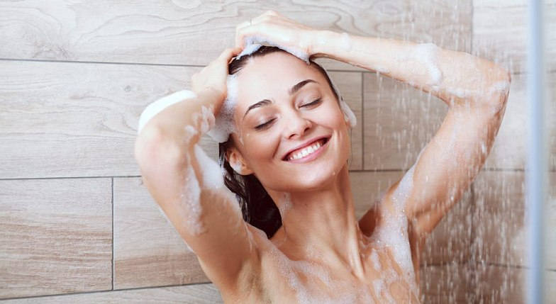 vörös foltok a lábakon fürdés után lenmagolaj pikkelysömör kezelése